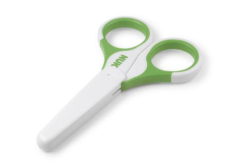 NUK 兒童安全剪刀 -  * NUK's safety scissors for kids is ideal for the gentle nail care of small children. It always cuts nails in the safest and most precise way. In addition to this, the scissors feature rounded tips which also contribute to a higher level of safety.