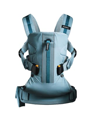 Baby Björn 户外婴儿背带 - * Baby Björn baby carrier One Outdoors – A comfortable alternative to a traditional hiking gear.