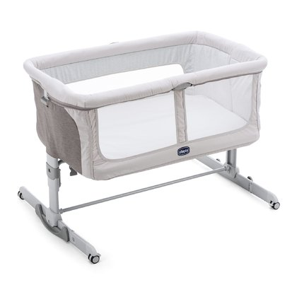 Chicco 床邊嬰兒床 Next2Me Dream -  * The Chicco Cot Next2Me Dream is a perfect place to feel safe and cuddle up close to mom and dad.