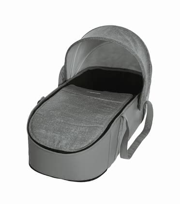 Maxi Cosi 邁可適 Laika推車配件柔軟便攜式睡籃 -  * Maxi-Cosi's soft carrycot is a comfortably padded and super spacious place for your little one to cuddle up. It stands out as the perfect companion for every parent who wants to use the buggy Lakia right from birth.