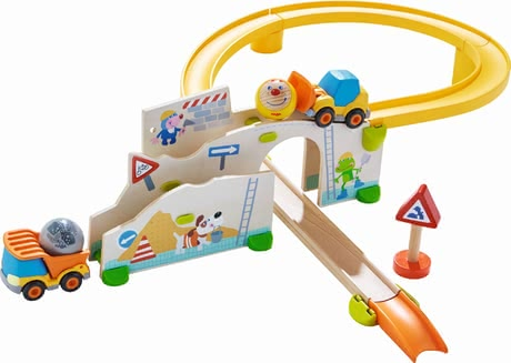 "Haba游戲軌道 施工現場 -  * With Haba's Kullerbü play track ""At the construction site"" little builders will find everything they need for creating and managing their very own construction site."