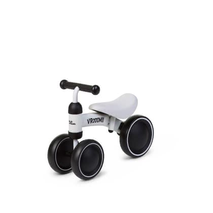 Childhome平衡車Vroom - The stylish ride-on toy Vroom by Childhome will delight your little one immediately! This stable wooden balance bike is suitable for children at the age of 18 months and up and stands out as the perfect companion for being active and moving along./Ili>