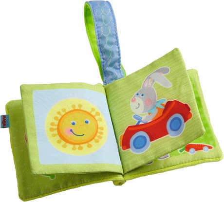 Haba 哈巴 嬰兒推車懸掛用迷你書玩具 -  * Feeling, listening, seeing – the soft mini buggy book with a cute bunny or bear motif stimulates the senses of your little one in a playful way.
