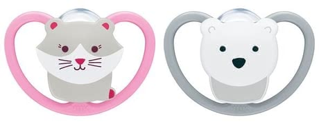 NUK Sapce奶嘴, 矽膠 -  * The NUK Freestyle Soother impresses everyone thanks to its large ventilation holes and a smaller contact area which makes it feel very gentle on baby's sensitive skin. The extra-large openings ensure maximum air circulation and allow baby's sensitive skin to breathe.