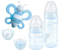 NUK嬰兒玫瑰色或藍色入門套裝 -  * With NUK's premium starter set from the popular Baby Rose & Blue collection which features subtle colours and cute motifs, parents are provided with a lovingly designed set for a carefree start with their baby.