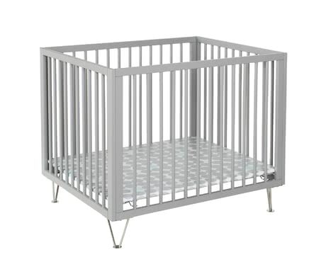 Geuther可移動兒童床Marit -  * Elegant and stylish! With the chrome-plated feet, the Geuther playpen Marit emphasises its the features of a modern style of living.