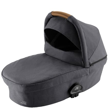Britax Römer兒童推車便攜式睡籃 SMILE III -  * The Britax Römer Carrycot SMILE III provides enough space for your little one to grow. It offers your baby a flat lying position, a soft padding and a generous canopy.